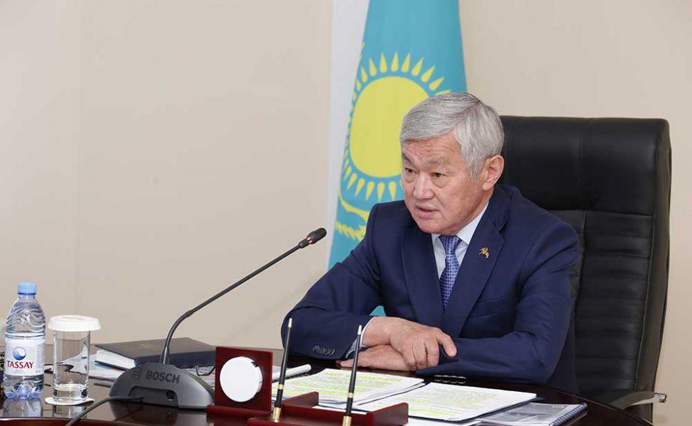 Сапарбаев әкім стипендиаттарының тізіміне «блатнойлардың балалары» еніп кетпеуін тапсырды